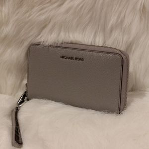Gray Leather Michael Kors WRISTLET